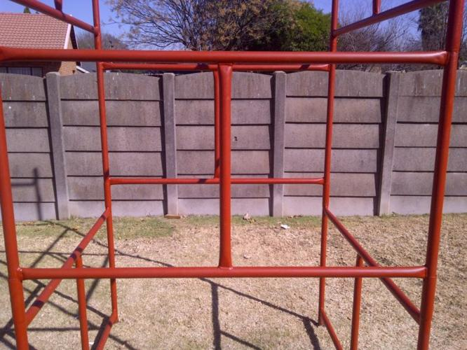 SCAFFOLDING FOR SALE 4 M HEIGHT 8 PIECE NEW