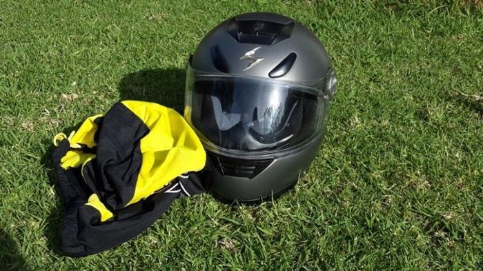 Scorpion Exo 700 helmet - Small 56cm