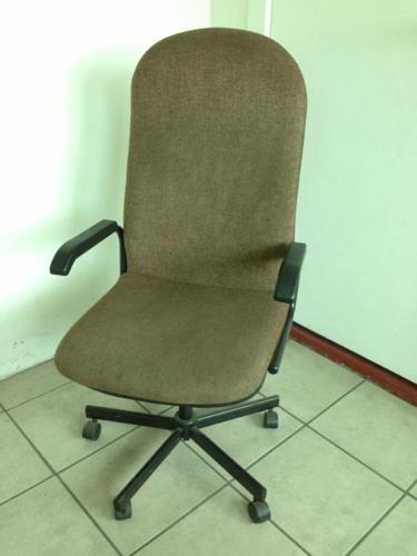 Second hand office chairs for sale for Sale in
