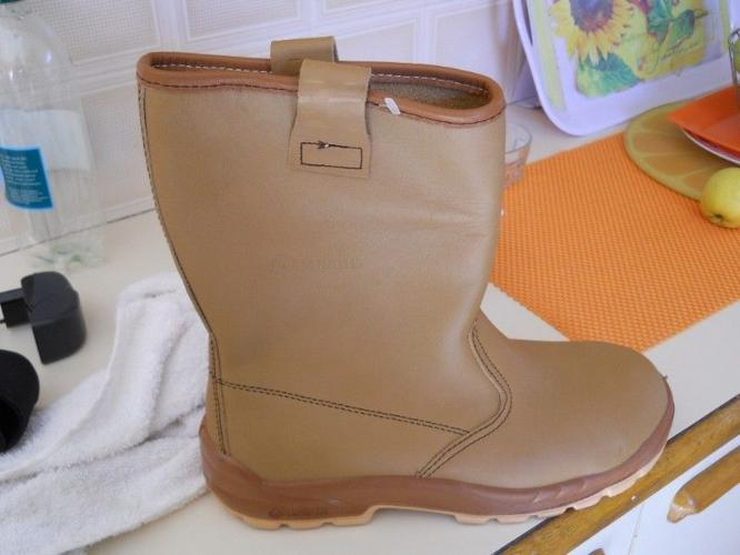 b71df046427 selling jallate rigger boots for Sale in Kuils River, Western Cape ...