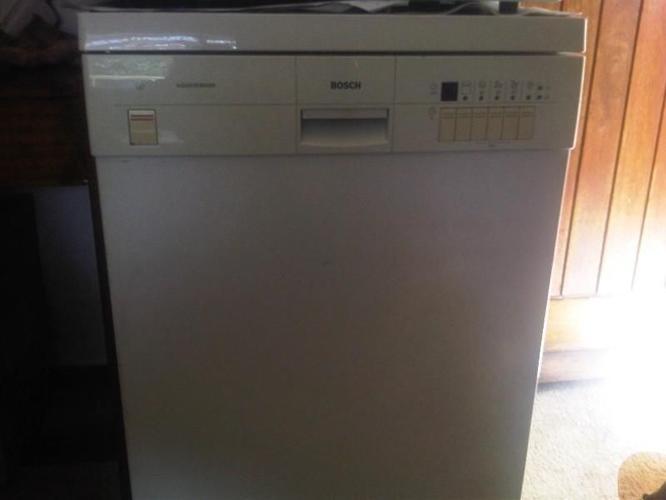 photos officielles fea58 b4247 Selling my Bosch Aquasensor Dishwasher for Sale in Milnerton ...