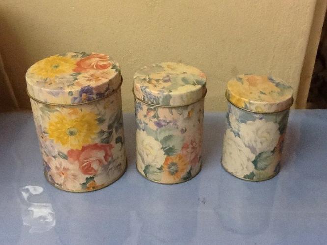 Set of old tins