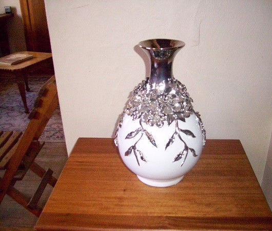 Single vase for sale