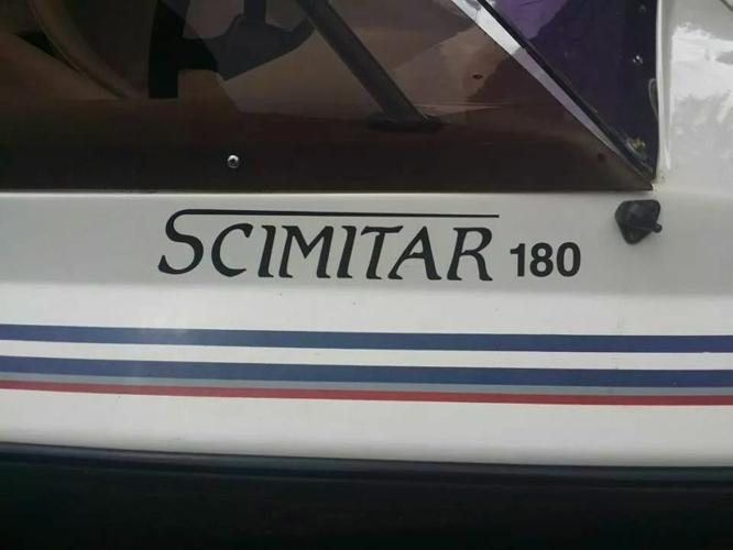 Ski boat Scimitar 180 (18ft) with 225HP evinrude motor