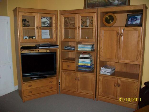 Solid light oak 3-Piece wall unit for Sale in Ekuvukeni, KwaZulu-Natal Classified ...
