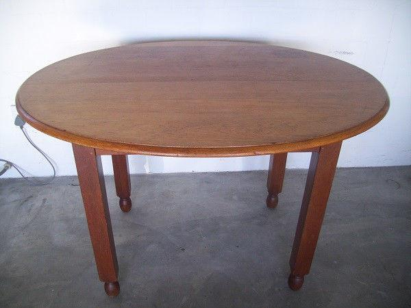 SOLID OVAL TABLE