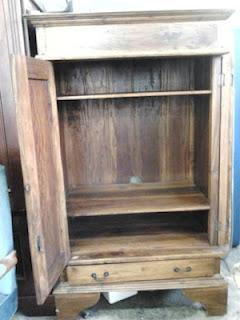 Solid Wood Cabinet - Almost Antique, Very Classy