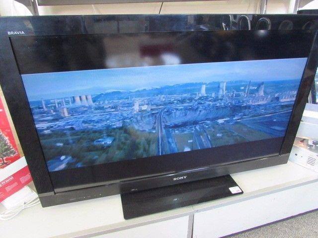 Sony Bravia 40inch LCD TV (KDL-40CX520) - six month