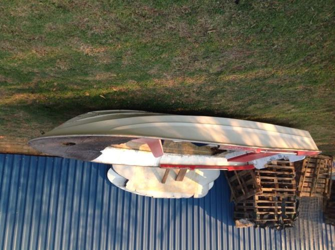 Speed boat hull for sale
