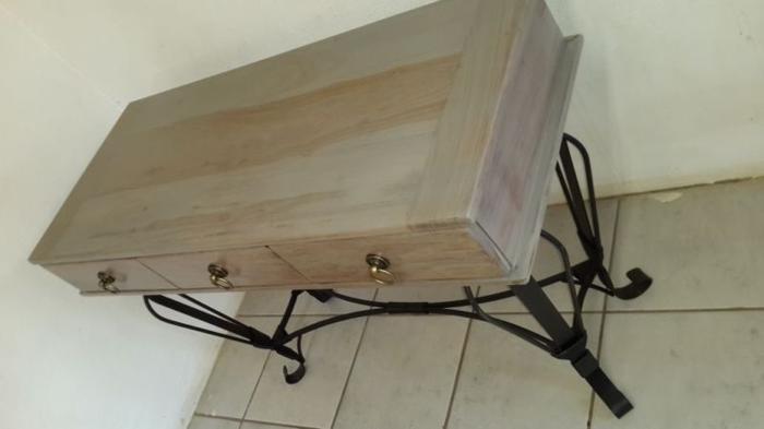 Stunning Multi Purpose Table For Sale In Kempton Park