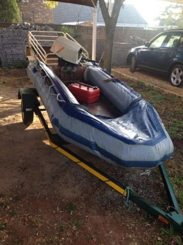 Suzuki 25 horse motor fishing boat