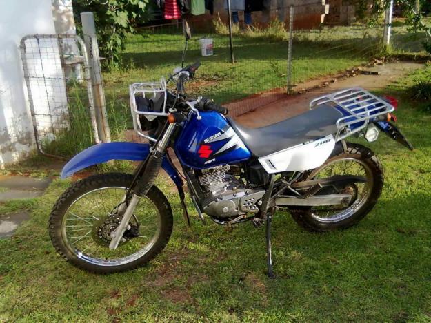 Suzuki DR 200 Dual Sport