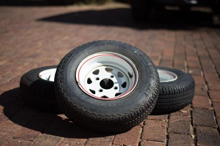 Thirteen Inch Venter Rims And Tyres