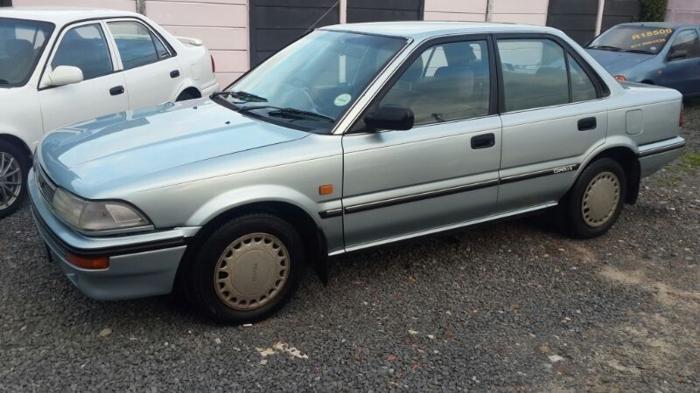 Toyota Corolla 1.6 GLX auto, 1993