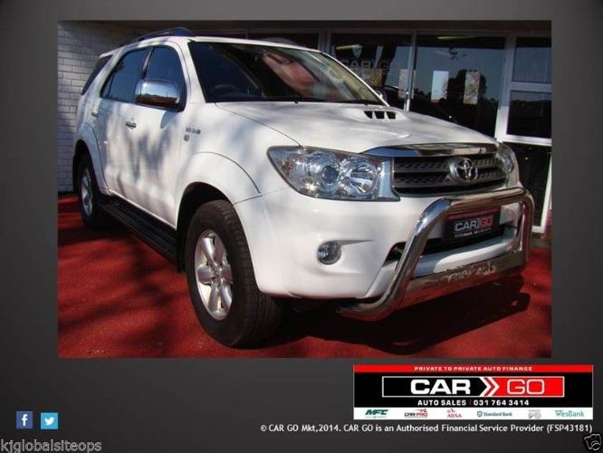 Toyota Fortuner 3.0 D4D New Spec (White) - Year 2009
