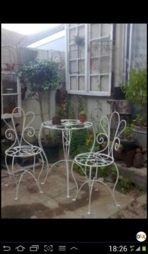 Vintage french style bistro set R999