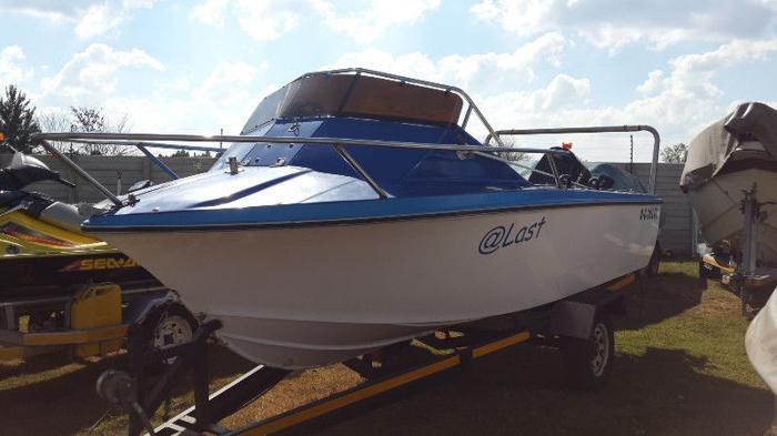 Wahoo (17Ft) Boat with Mercury 75HP.