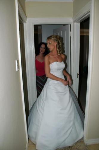 WEDDING DRESS FOR SALE R 4000!!!!