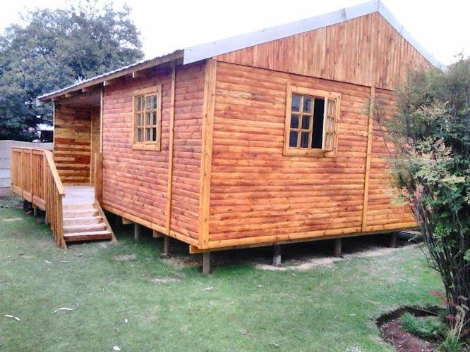 Wendy house and log cabins for sell for sale in westonaria for Selling a log home