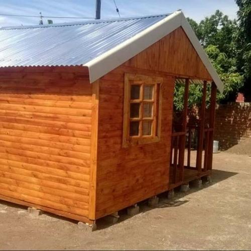 Wendy houses and Log cabins