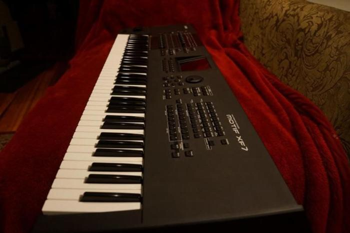Yamaha Motif XF7 Synth excellent cond for Sale in Cape Town