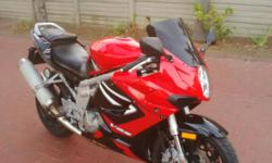 2009 Hyosung GT650R. Excellent condition. Low kms for