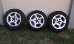 Am selling 15' microbus mag rims, still in good