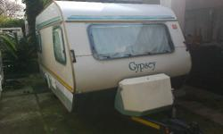 Caravette 5 with stove fridge and full tent very good