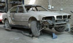 Beskrywing E38,good body shell on wheels, airbags