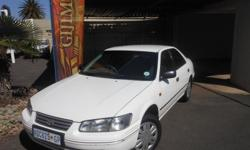 2002 Toyota Camry 2.2 GLE Extras: Air Bags, Air Con,