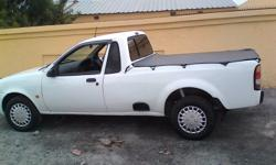2004 Ford Bantam, white clean in good condition for