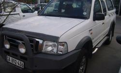 This practical pick-up has air con, power steering,
