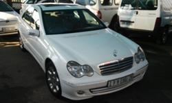 2006 MERCEDES BENZ C200K FULL HOUSE LEATHER INTERIOR