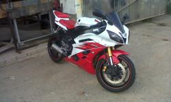 '06 YAMAHA R6 FOR SALE.A REAL GIVE-AWAY FOR ONLY