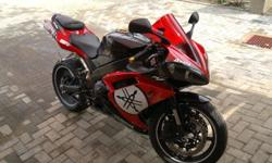 Yamaha R1 in mint condition for sale. Lots of extras