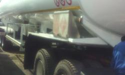 For sale 2008 tanker triaxle with air suspension