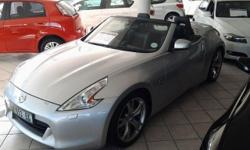 2010 Nissan 370Z Coupe Convertible A/T, ONLY 18 449