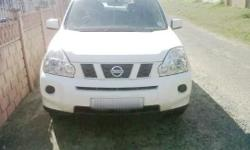 Type: Nissan X-Trail - Year: 2010 - Colour: White -