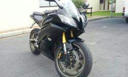 2010 YAMAHA R6 CARBON BLACK WITH 49000KMS FSH WITH