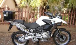 Excellent Condition !!! Only 18,000km. ABS, Heated