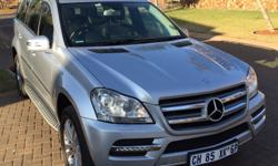 2011 Mercedes-Benz GL350CDI. Excellent Condition.