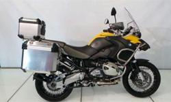 SPARE KEY, PANNIERS, TOP BOX, NO ACCIDENTS, LOW