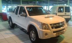 2012 ISUZU KB 300 EXTENDED CAB LX FOR SALE R239 900-00
