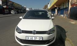 Volkswagen Polo 6 1.6 - Sunroof .Electric Windows