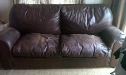Beskrywing 2 x Two Seater Genuine Leather Couches for