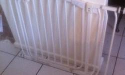 I have 2x dream baby safety gates which fit doorways I