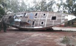 46 VT Yacht for sale, ideal restoration project, cement