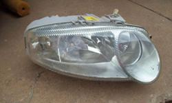 Alfa 147 original part -RF headlight in good condition