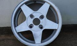 Beskrywing Alloy wheels suitable to fit Ford Laser