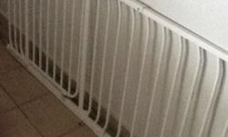 Baby safety gate, 1,5 meter in length.